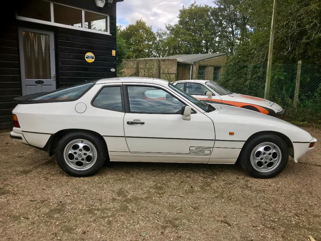 1986 Porsche 924 S ...Huge Service History..New Sills both sides  For Sale (picture 9 of 21)