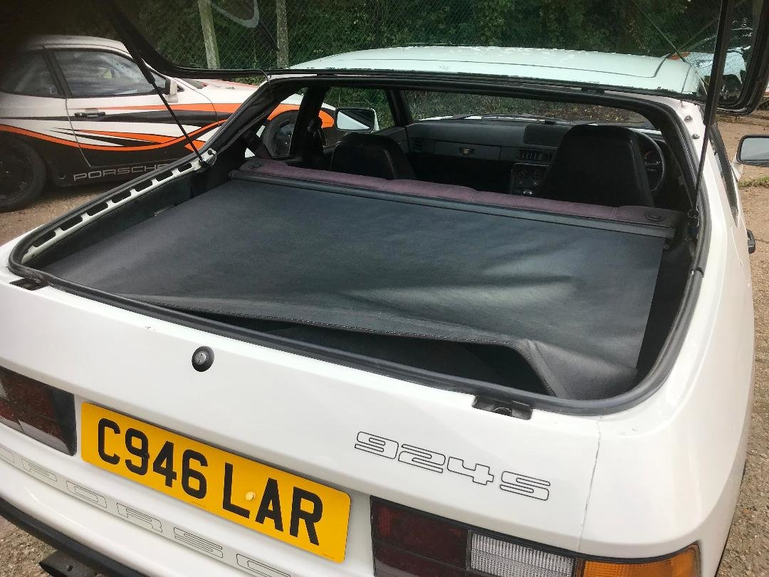 1986 Porsche 924 S ...Huge Service History..New Sills both sides  For Sale (picture 18 of 21)