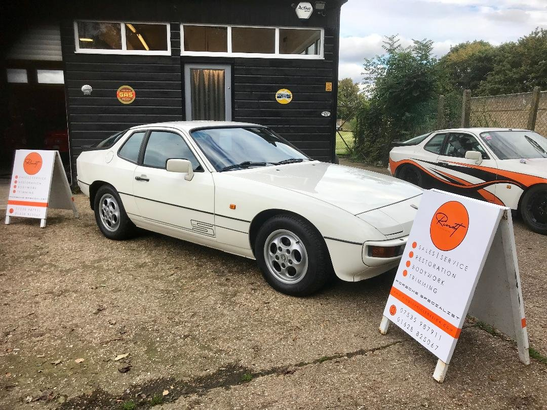 1986 Porsche 924 S ...Huge Service History..New Sills both sides  For Sale (picture 21 of 21)