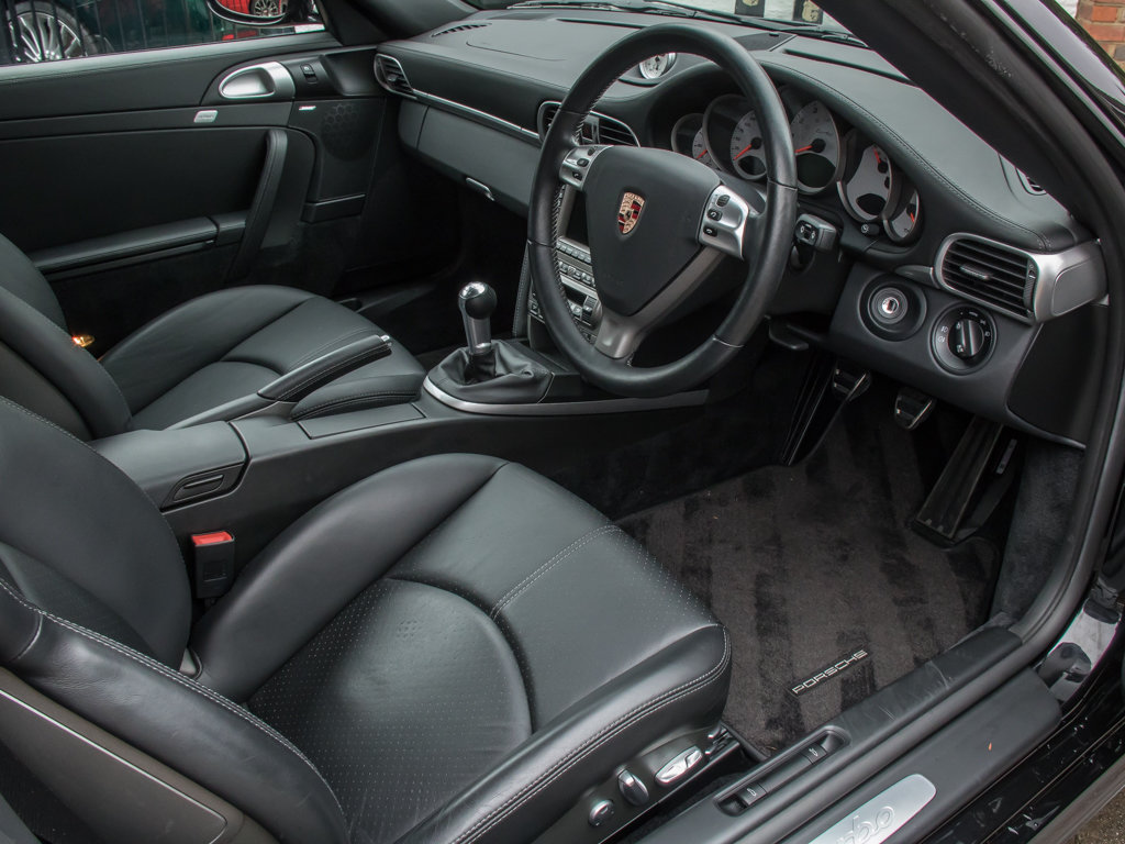2006 Porsche  911 Turbo 997  (997) Turbo Coupe - 6 Speed Manual For Sale (picture 11 of 18)