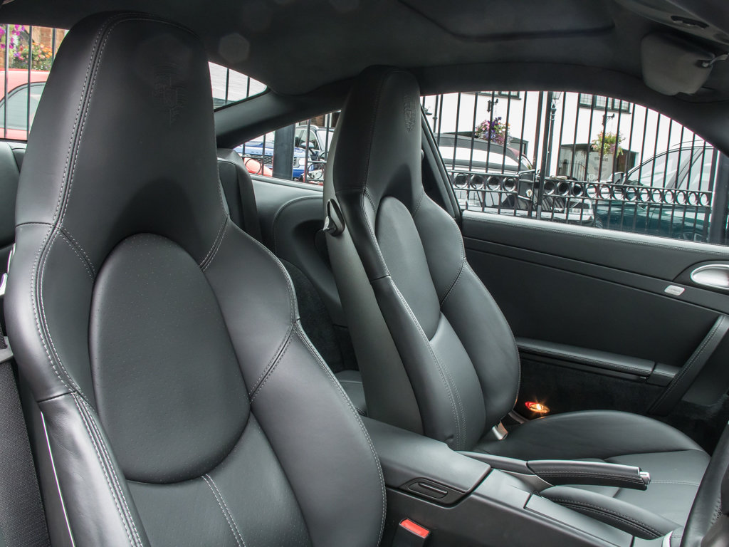 2006 Porsche  911 Turbo 997  (997) Turbo Coupe - 6 Speed Manual For Sale (picture 12 of 18)