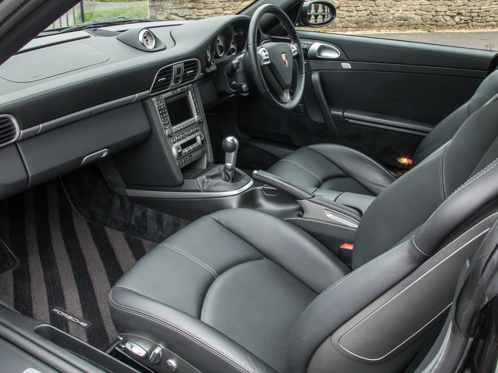 2006 Porsche  911 Turbo 997  (997) Turbo Coupe - 6 Speed Manual For Sale (picture 13 of 18)
