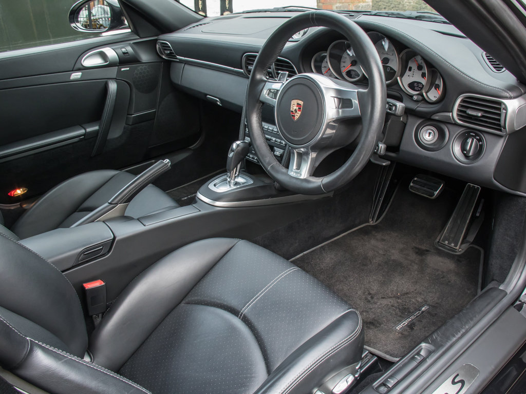 2011 Porsche    (997) 911 Turbo S Coupe  For Sale (picture 10 of 18)