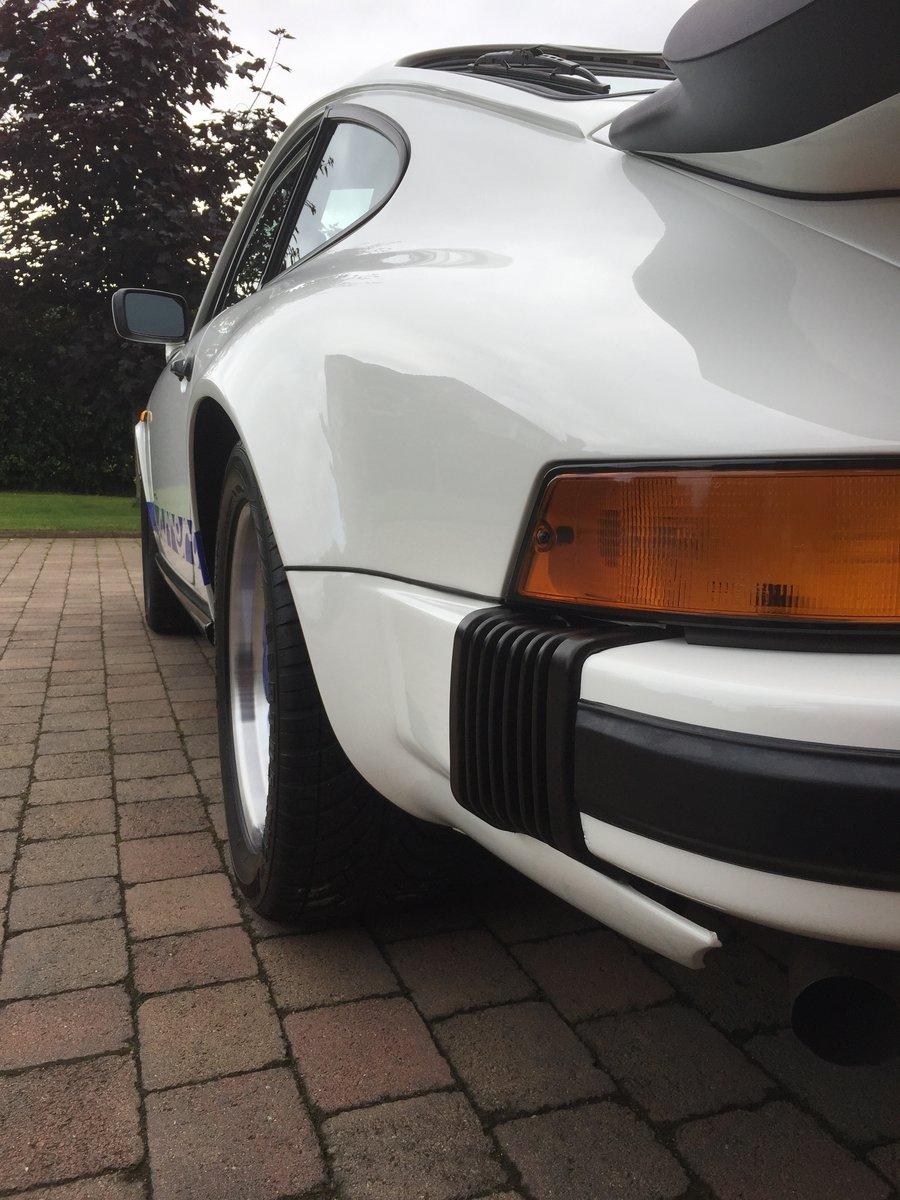 1988 Porsche 911 3.2 Carrera (Sport) For Sale (picture 5 of 6)