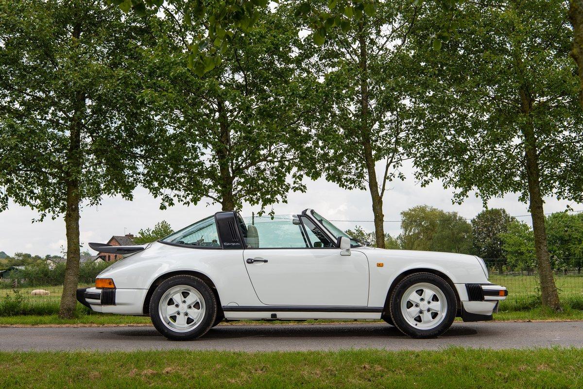 1989 Porsche 911 3.2 Carrera Targa For Sale (picture 1 of 6)