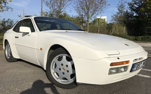 1989 Porsche 944 s2 long mot 23 stamps super condition
