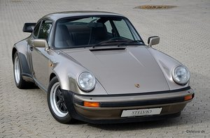Porsche 930 matching numbers and colors
