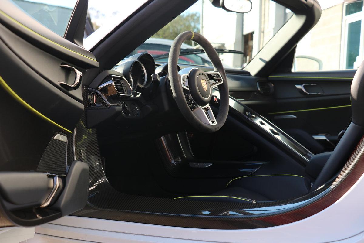 2015 Porsche 918 Spyder - Recent major service at Porsche Reading For Sale (picture 4 of 6)