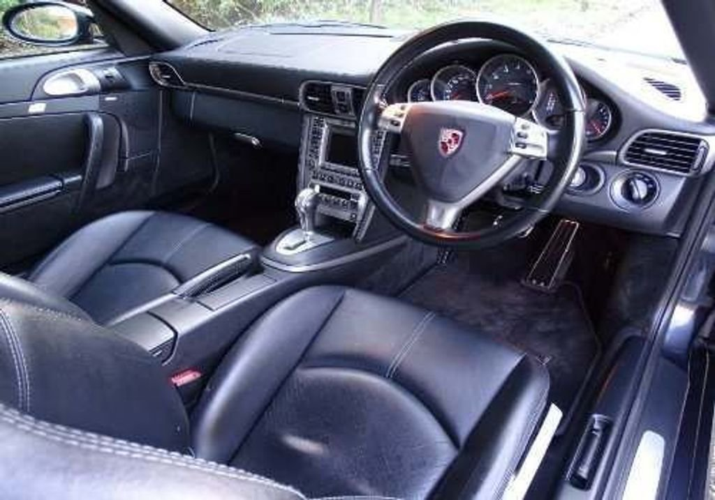 2006 Porsche 911 3.6 997 Carrera Tiptronic S 2dr 2 FORMER KEEPERS SOLD (picture 8 of 10)