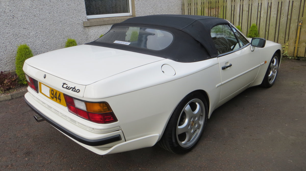 1989 Porsche 944 S2 3L Cabriolet Collectable low miles For Sale (picture 2 of 6)