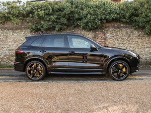 2016 Porsche    Cayenne Turbo S  For Sale