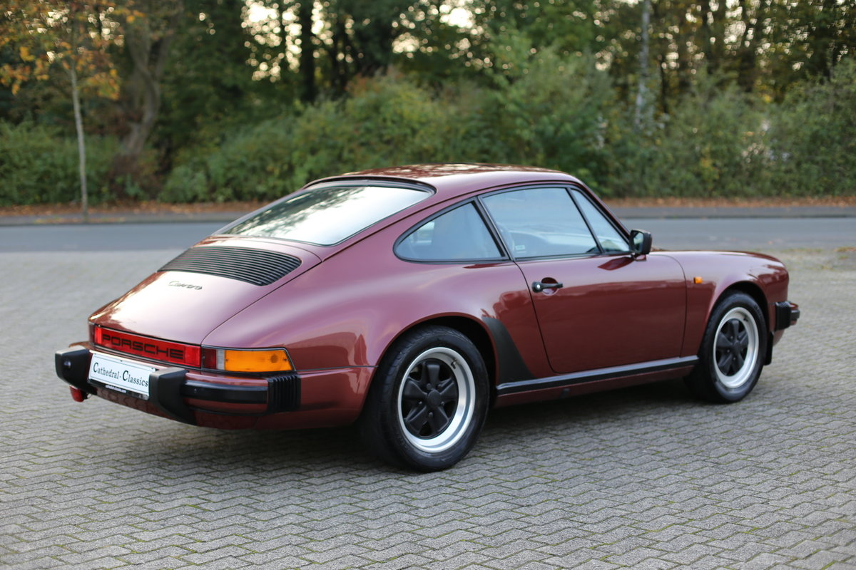 1985 Euro specification Porsche 911 Carrera 3.2 Coupe 231ps For Sale (picture 2 of 6)