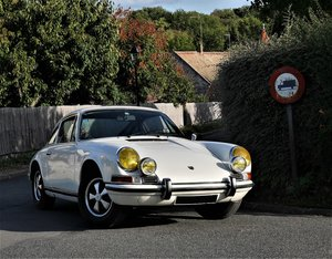 1969 – Porsche 911 2.2 T Karmann coupé For Sale by Auction