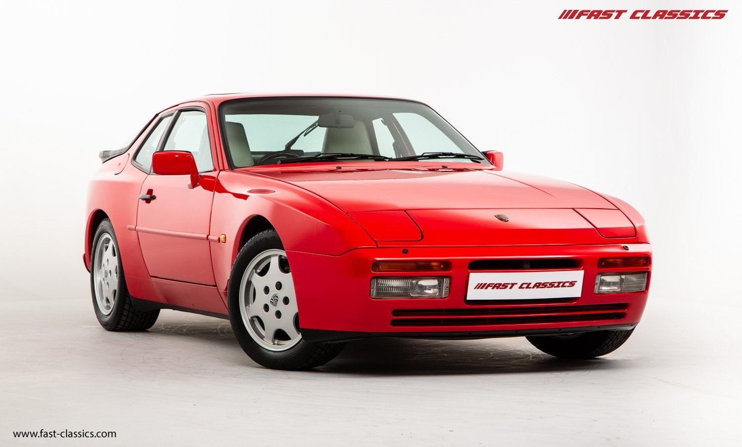 1990 PORSCHE 944 S2 // STUNNING GUARDS RED // 27K MILES // FAMILY For Sale (picture 2 of 23)