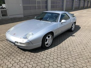 Stunning Porsche 928 S4 from 1992 For Sale