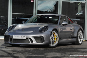 2018 Porsche 991.2 GT3 PDK with PCCB, front lift & CS Package For Sale