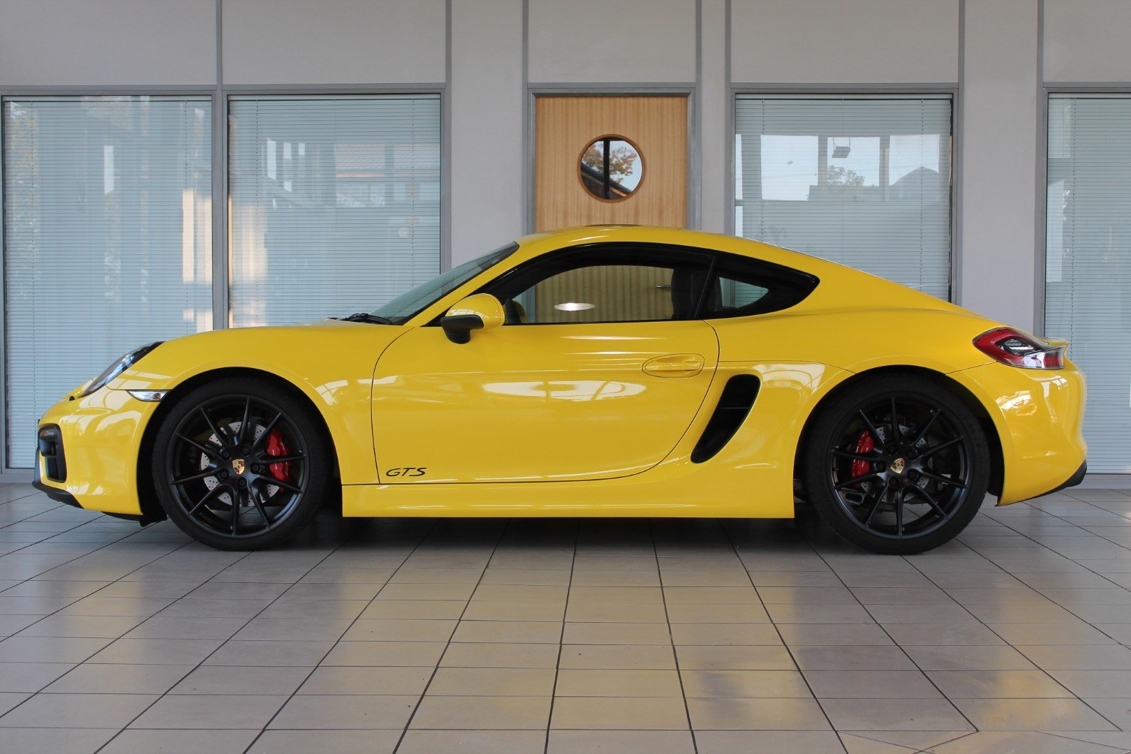 2016/16 Porsche Cayman (981) 3.4 GTS Manual For Sale (picture 3 of 6)