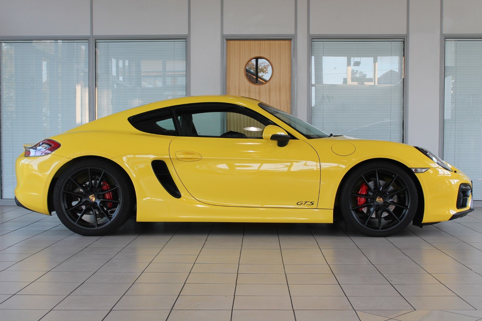 2016/16 Porsche Cayman (981) 3.4 GTS Manual For Sale (picture 4 of 6)