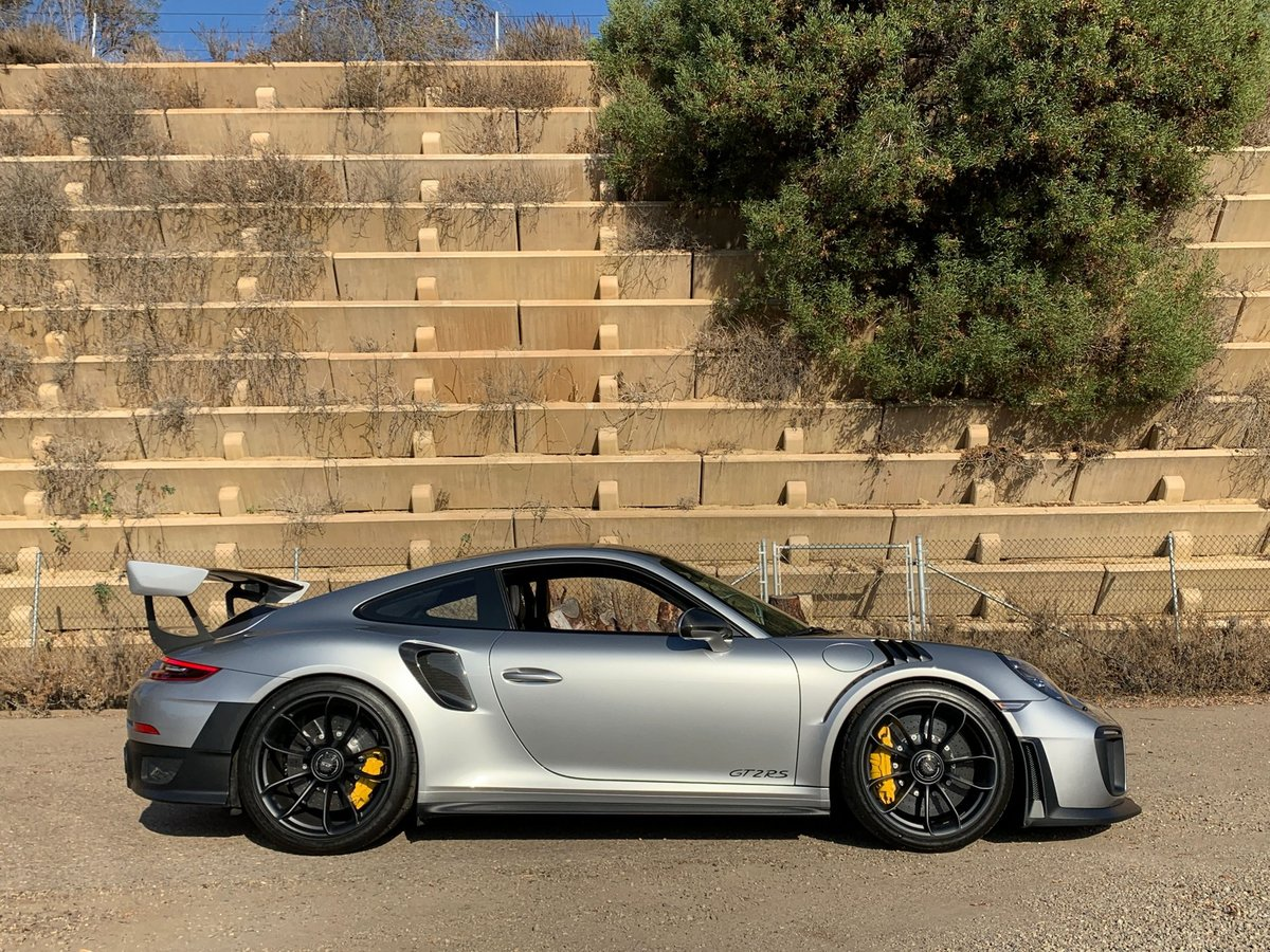 2019 Porsche 991 GT2 RS Weissach 911 Mint only 98 miles $349.5k For Sale (picture 3 of 6)