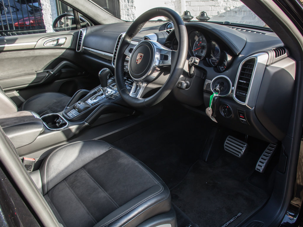 2014 Porsche    Cayenne GTS For Sale (picture 12 of 18)