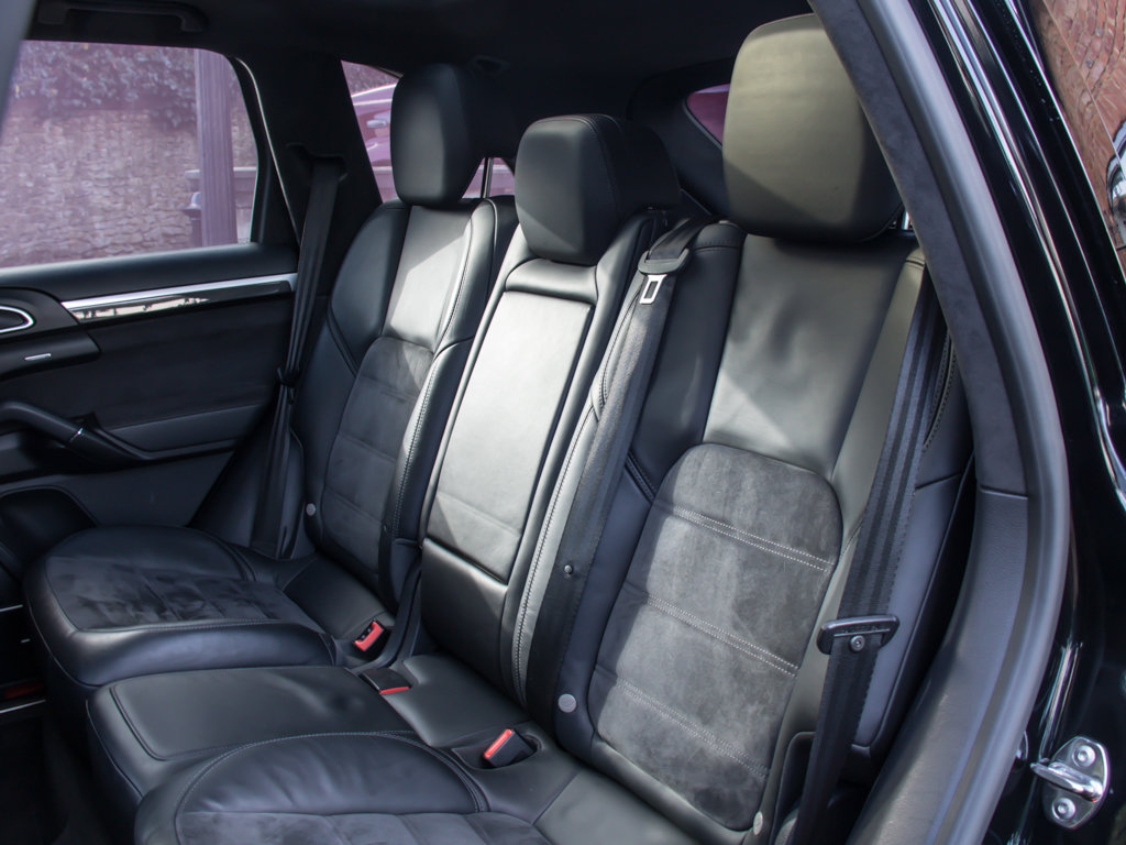 2014 Porsche    Cayenne GTS For Sale (picture 15 of 18)