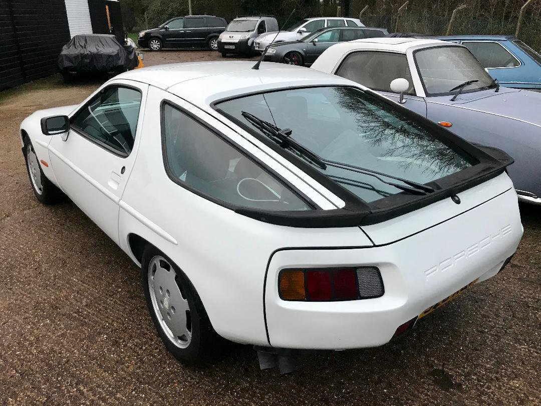 1986 Porsche 928 S ONLY 96,000MILES, huge Service History File ! For Sale (picture 7 of 11)