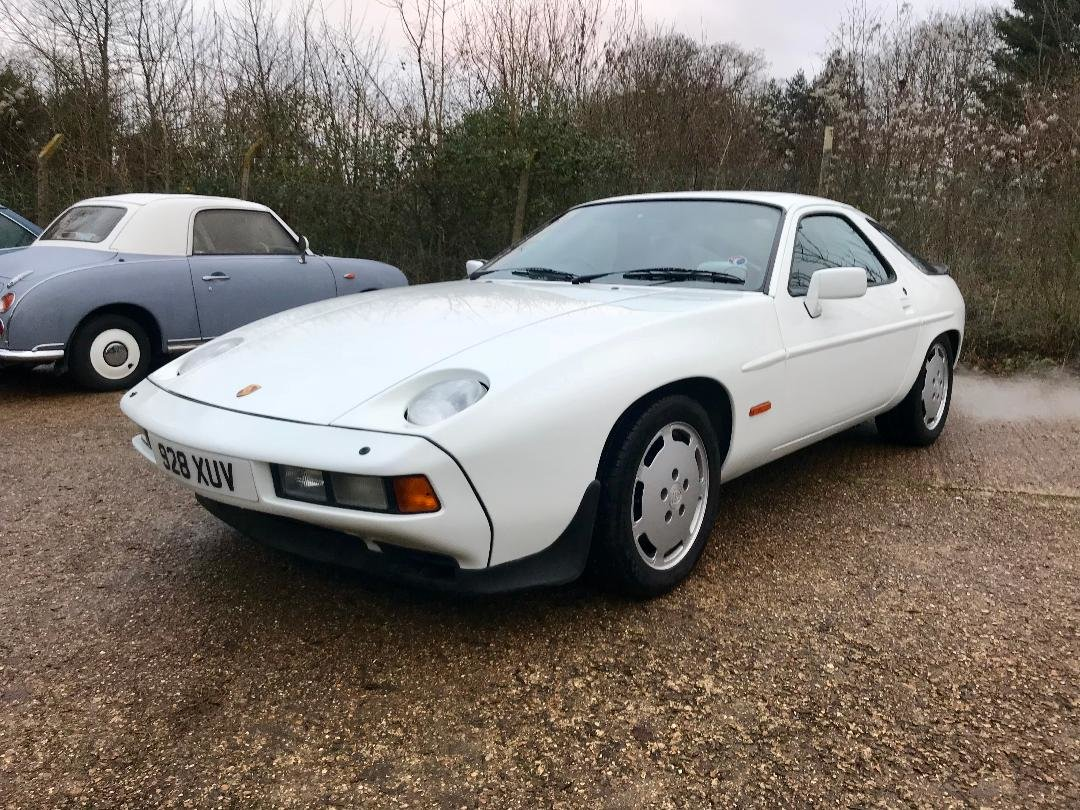 1986 Porsche 928 S ONLY 96,000MILES, huge Service History File ! For Sale (picture 8 of 11)