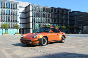911 Turbo 3.0 1975 - paint to sample