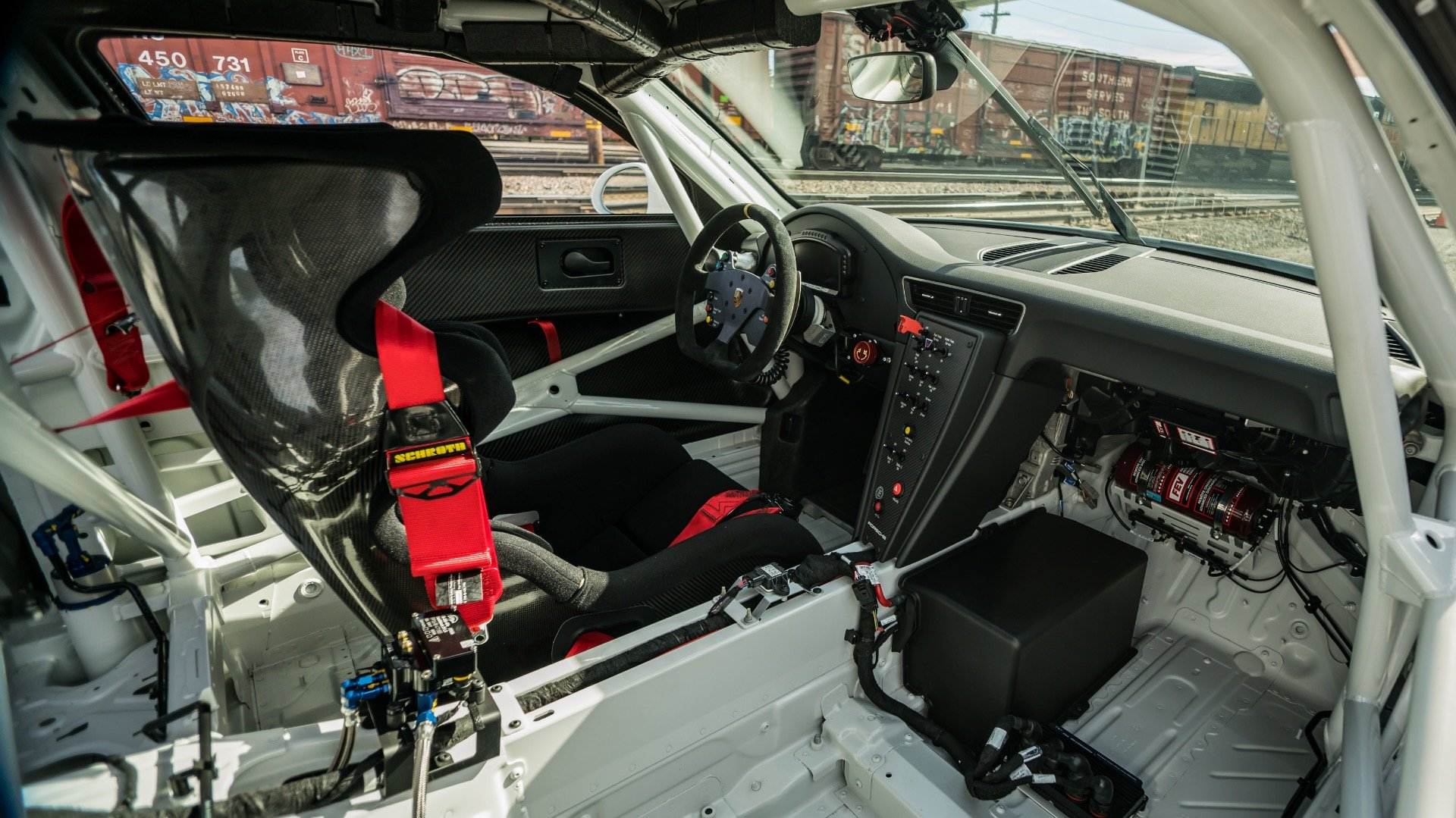 2018 Porsche GT3 Cup Car Race Car only 10 hours Spares $265k For Sale (picture 4 of 6)