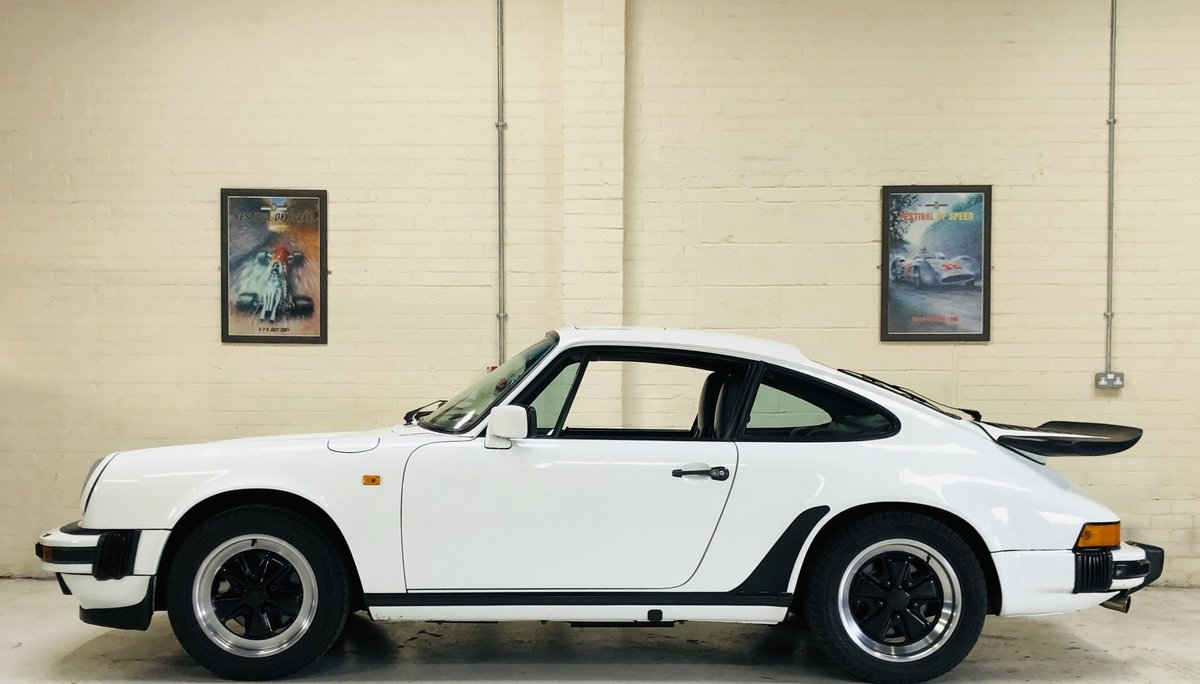 1985 PORSCHE 911 3.2 CARRERA COUPE - FANTASTIC VALUE For Sale (picture 3 of 6)