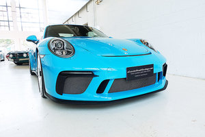 stunning PTS GT3 in Miami Blue, low kms, manual