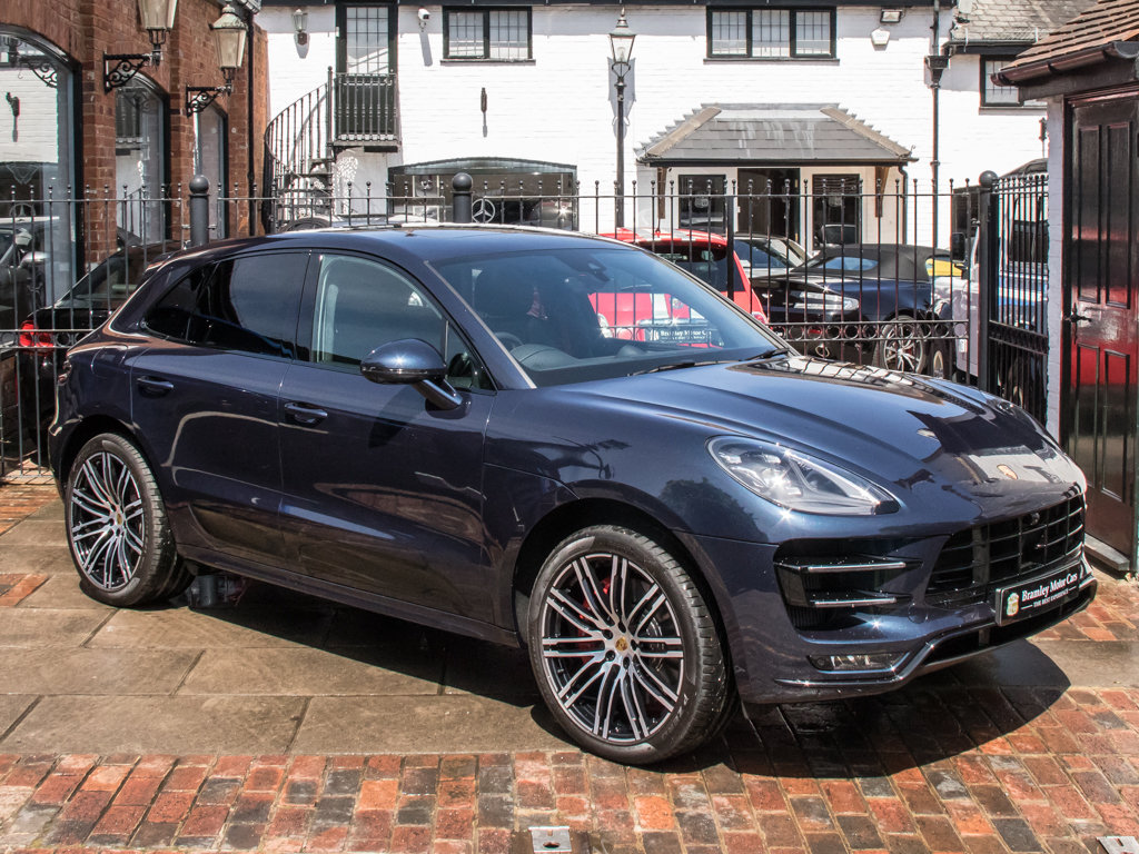 2018 Porsche    Macan Turbo Performance Edition For Sale (picture 2 of 18)