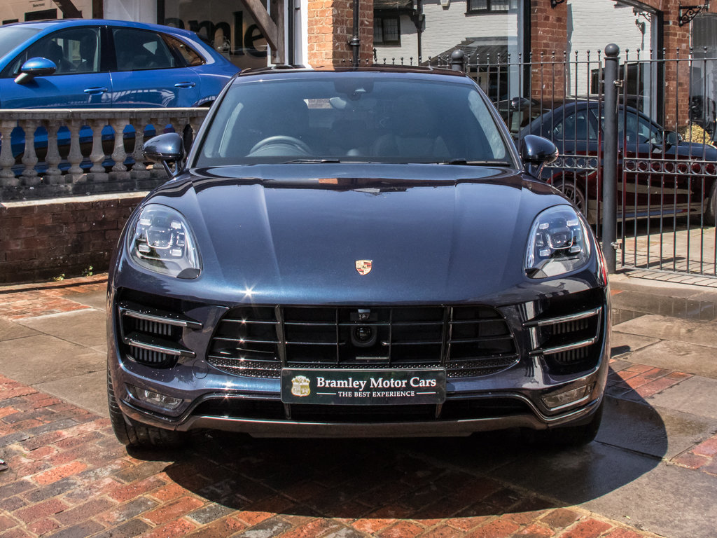 2018 Porsche    Macan Turbo Performance Edition For Sale (picture 3 of 18)