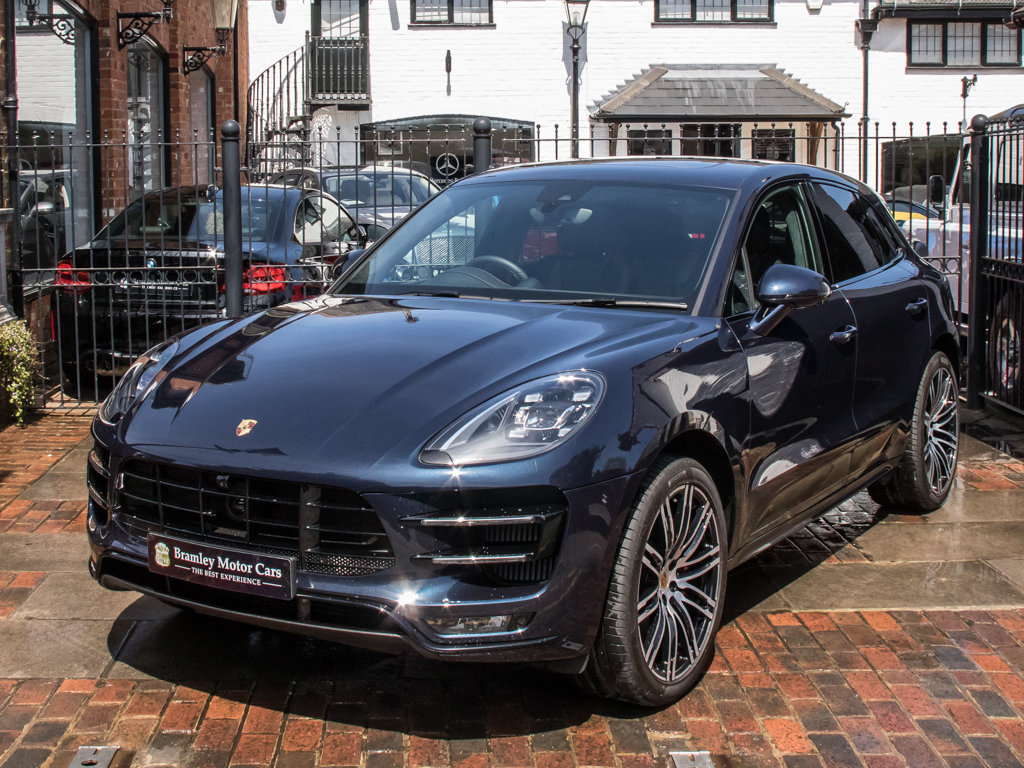 2018 Porsche    Macan Turbo Performance Edition For Sale (picture 4 of 18)