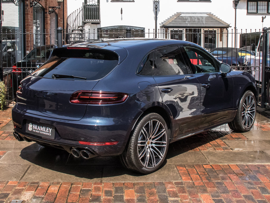 2018 Porsche    Macan Turbo Performance Edition For Sale (picture 7 of 18)
