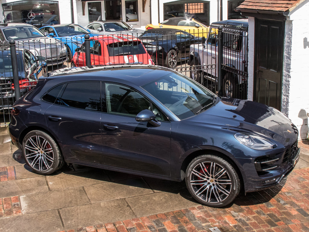 2018 Porsche    Macan Turbo Performance Edition For Sale (picture 8 of 18)