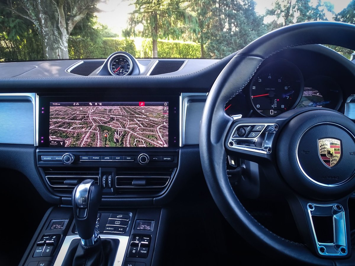 2018 Porsche  MACAN  2.0 2019 MODEL PDK AUTO  49,948 For Sale (picture 10 of 24)