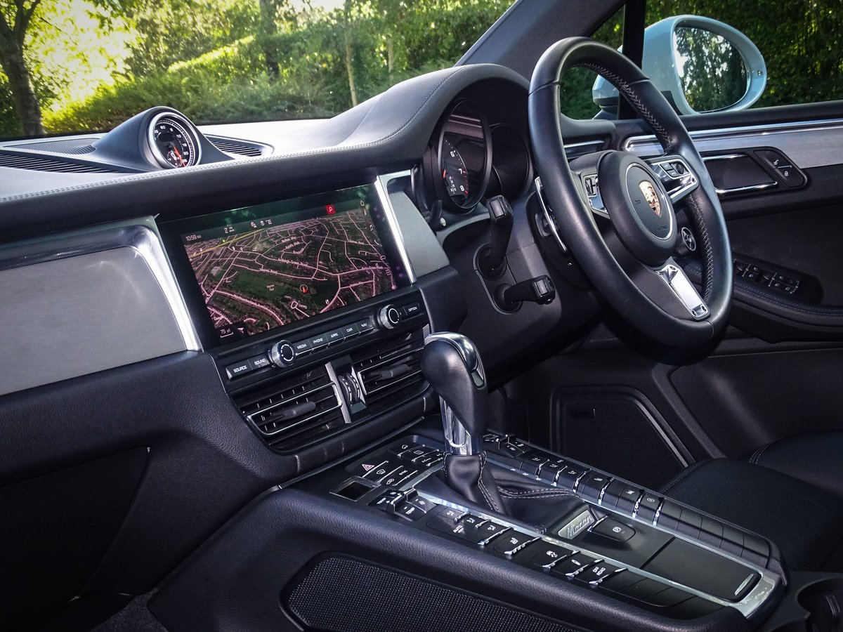 2018 Porsche  MACAN  2.0 2019 MODEL PDK AUTO  49,948 For Sale (picture 16 of 24)