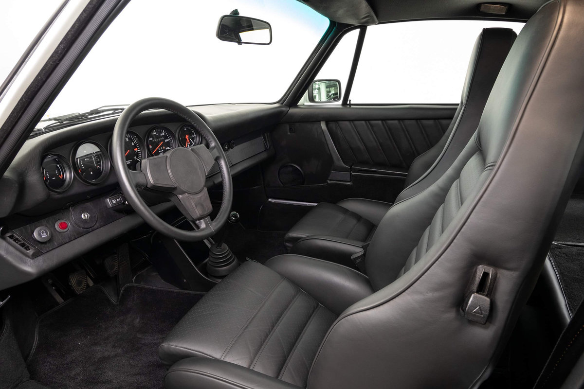 1976 Fully restored Porsche 911 930 Turbo For Sale (picture 11 of 20)