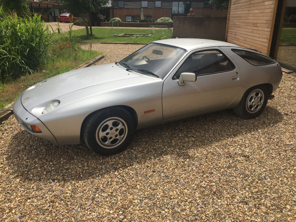1982 Porsche 928 Silver over blue leather auto For Sale (picture 1 of 6)