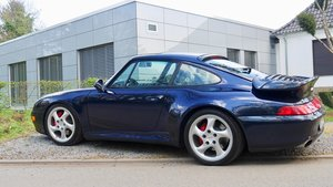 Midnight blue metallic 993 TT w interior to match