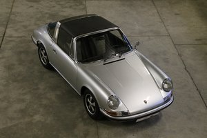 1972 Rare 911T 2,4 Targa / Ölklappe / fully restored condition For Sale