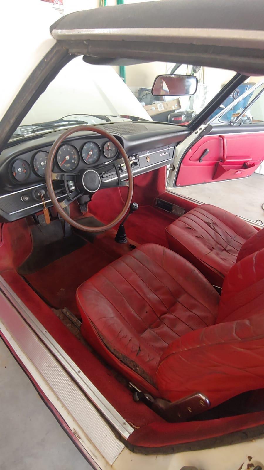 Porsche 911L 1968 Soft Window Targa, Very rare Car For Sale (picture 4 of 6)