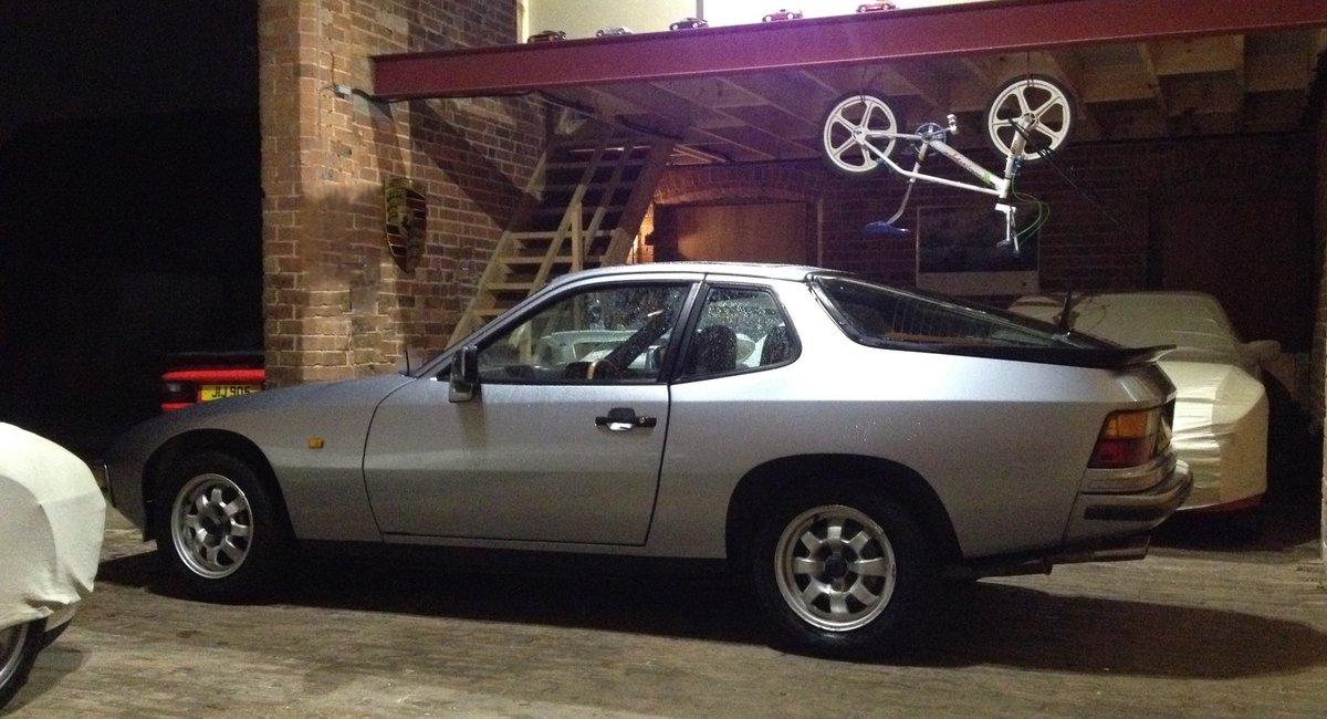 1983 Classic Porsche 924 - Recent Restoration Work For Sale (picture 3 of 6)