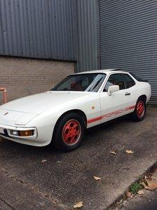 1989 Sunning Porsche 924S.