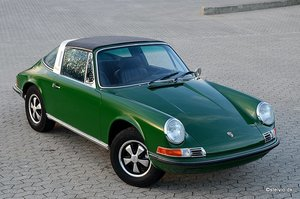 Porsche 911T 2.0 Targa, matching numbers and colors