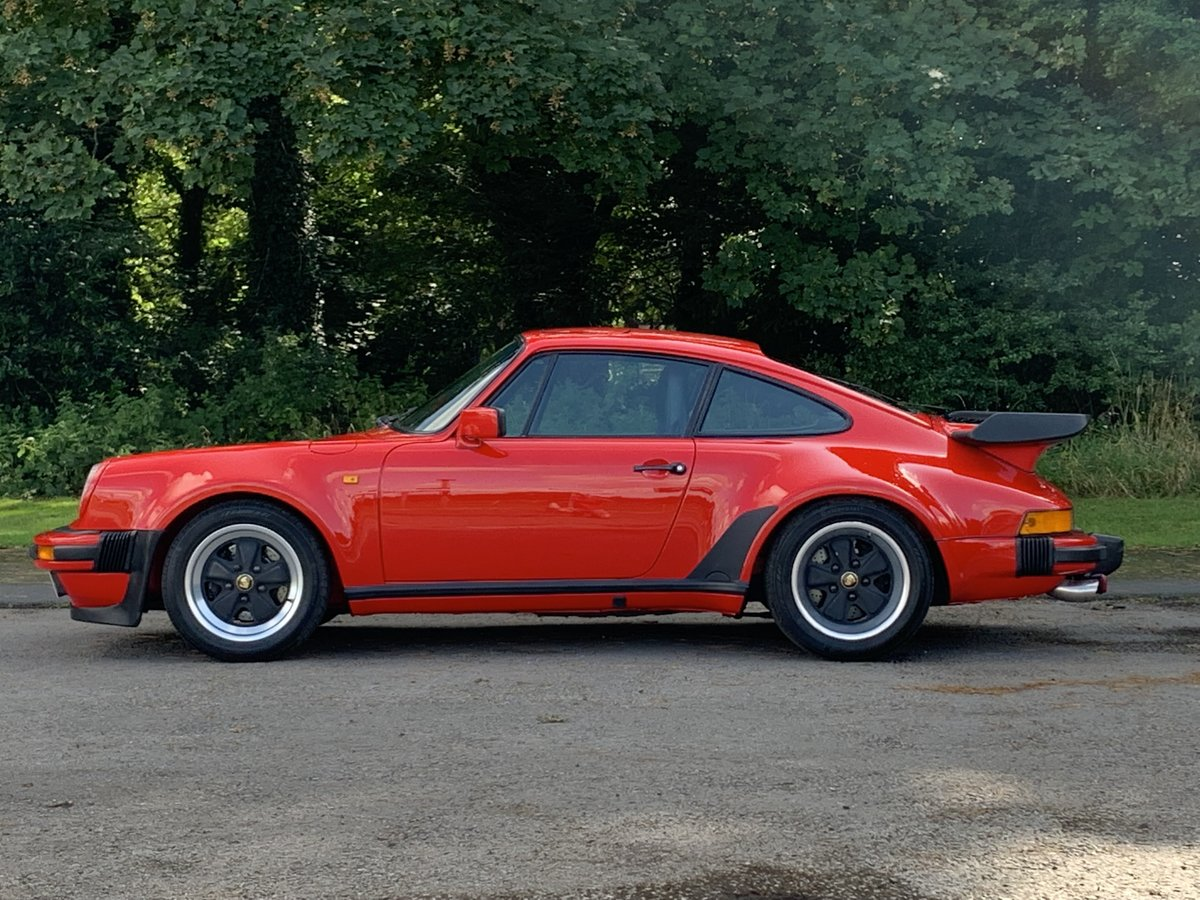 1984 PORSCHE 911 3.2 CARRERA COUPE. GUARDS RED For Sale (picture 3 of 6)