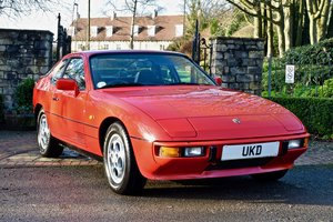 1986 PORSCHE 924 S 2.5 GUARDS RED COUPE