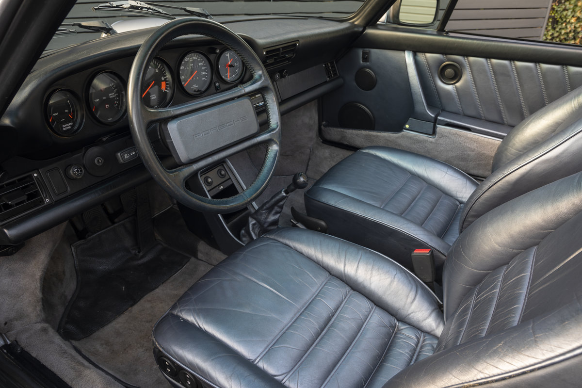 1988 PORSCHE 911 3.2 TARGA JUBILEE EDITION LHD SOLD (picture 7 of 17)