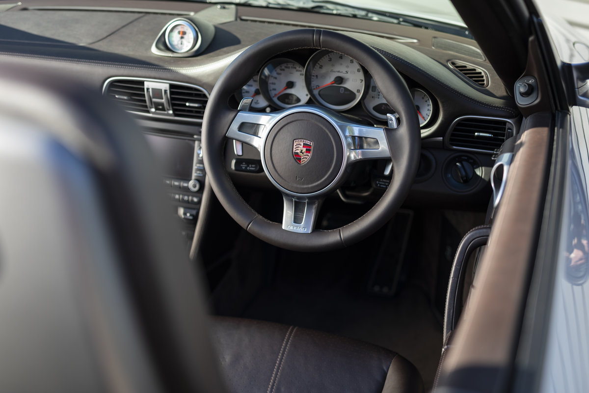 2010 Porsche 997 Turbo S Cabriolet  ONLY 1700 MILES For Sale (picture 7 of 23)